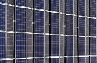 A napelemes rendszerek előnyeinek bemutatása